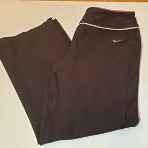 Nike 3/4 length Fit Dry Pants  Size M 8-10